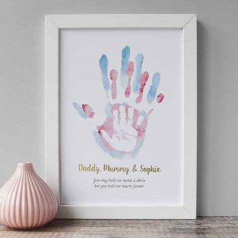 Are you interested in our childs handprint art print? With our personalised children's print for nursery Are you interested in our childs handprint art print? With our personalised children's print for nursery you need look no further. Baby Crafts, Diy And Crafts, Crafts For Babies, Newborn Crafts, Kids Fathers Day Crafts, Crafts Toddlers, Craft Kids, Simple Crafts, Easter Crafts