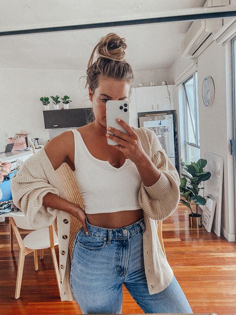 See Want Shop| Style Blogger| Casual Outfit| White Crop Top| Knitted Cardigan| Cream Cardigan| Messy Bun| Blonde Bun| Denim Jeans| Mirror Selfies| Interior Design| Indoor Plants