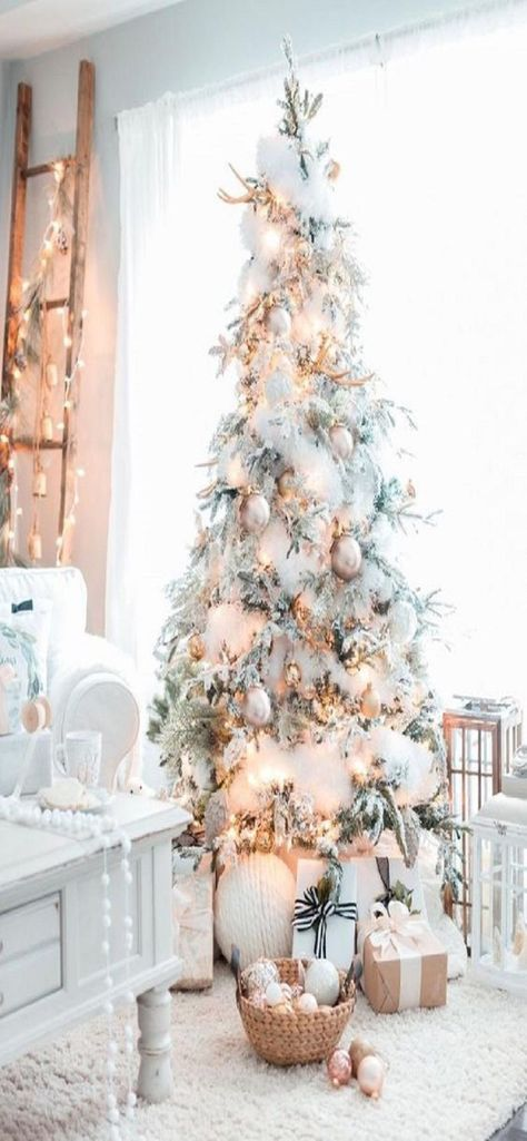 White Christmas Tree Decorations, Frosted Christmas Tree, Pretty Christmas Trees, Elegant Christmas Decor, Flocked Christmas Trees, Christmas Tree Design, Shabby Chic Christmas, Pink Christmas, Christmas Home