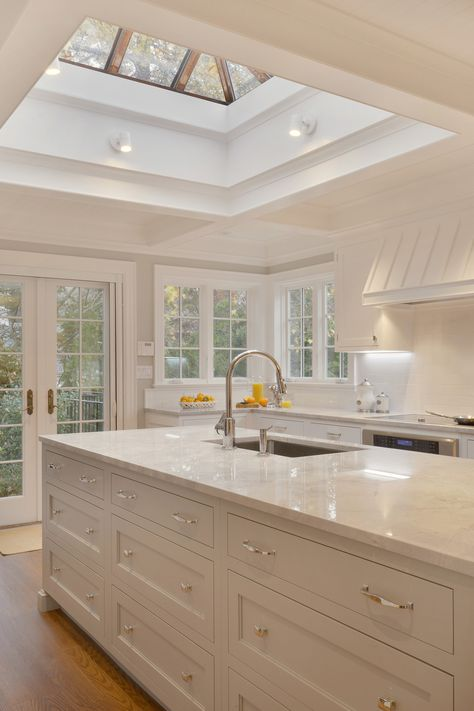 This traditional kitchen features a mix of Rutt Handcrafted Cabinetry and Rutt Regency. The custom white painted kitchen includes a banquette area and a custom gray true mullion glass fronted cabinet hutch. Home Decor Kitchen, Interior Design Kitchen, Home Kitchens, Luxury Kitchens, Tuscan Kitchens, Nice Kitchen, Modern Farmhouse Kitchens, Open Plan Kitchen, Kitchen Ideas