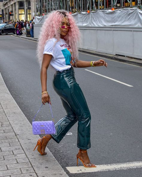 Womens Style Discover See the Latest New York Fashion Week Street Style Fall 2019 Fashion Week Look Fashion Girl Fashion Fashion Outfits Womens Fashion Fashion Trends Fashion Clothes Ankara Fashion Cheap Fashion Black Girl Fashion, Look Fashion, Fashion Outfits, Fashion Clothes, Ankara Fashion, Cheap Fashion, Workwear Fashion, Style Clothes, Womens Fashion