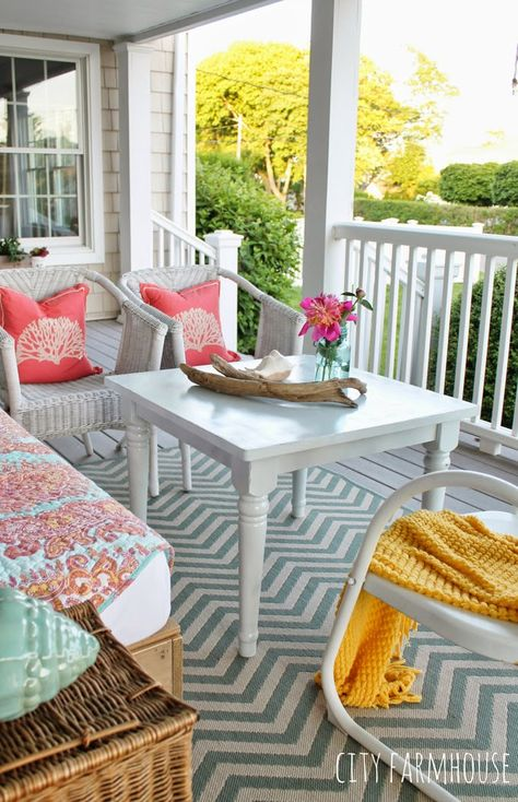 Colorful Summer front porch | City Farmhouse via House of Turquoise