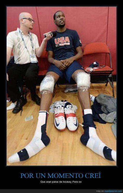 Kevin Durant, reconócelo, tus piernas son de alien. Dilo ya, no pasa nada. - Que eran palos de hockey. Pero no   Gracias a http://www.cuantarazon.com/   Si quieres leer la noticia completa visita: http://www.estoy-aburrido.com/kevin-durant-reconocelo-tus-piernas-son-de-alien-dilo-ya-no-pasa-nada-que-eran-palos-de-hockey-pero-no/
