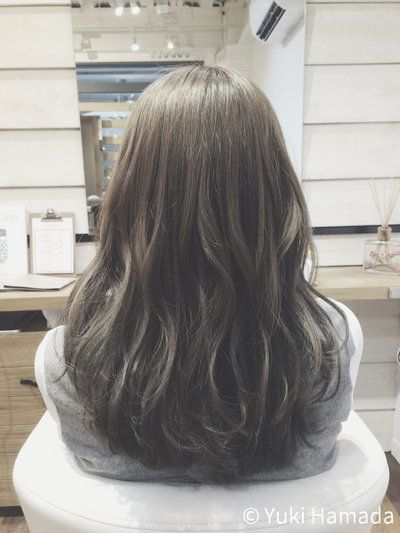 日本人にピッタリな髪色のミントアッシュ ブリーチは必要 Hamada Yuki ヘアスタイリング ミントアッシュ ヘア アイディア