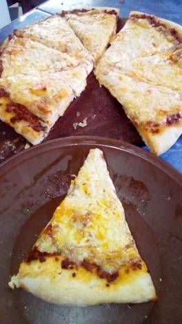 Pizza Cuatro Quesos Y Salsa Bolonesa Al Carbon Receta Salsa
