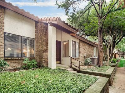 14151 Montfort Dr Dallas Tx 75254 Apartments For Rent Zillow Apartments For Rent Yard Maintenance Apartment Hunting