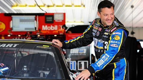 NASCAR.com: A year later, Tony Stewart refuses to be held back     One year. Full circle. #StandWithSmoke