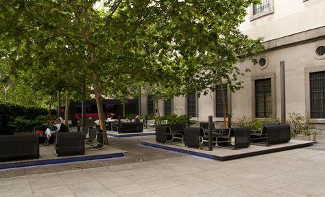 Terraza Reina Sofia Buscar Con Google Restaurant Sidewalk