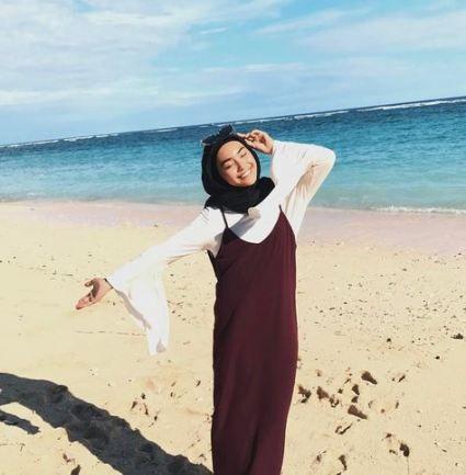 Baju Ke Pantai