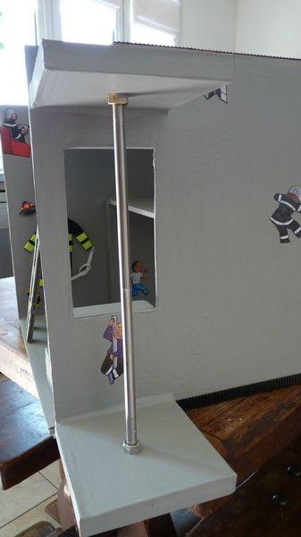 Une caserne contre une tétine Playmobil, Dolls and Craft - bricolage a la maison