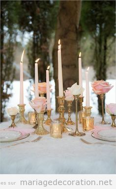 Idees Deco Table Mariage Candelabre Dore Et Roses Deco Mariage