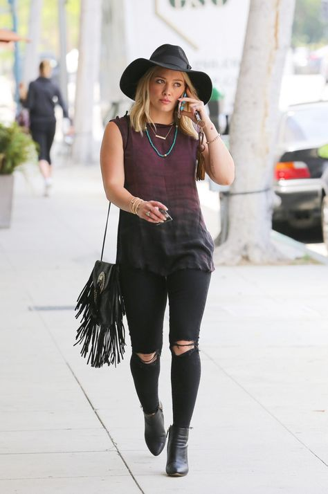 The 14 Best Street Style Looks Of The Stylish Hilary Duff ,