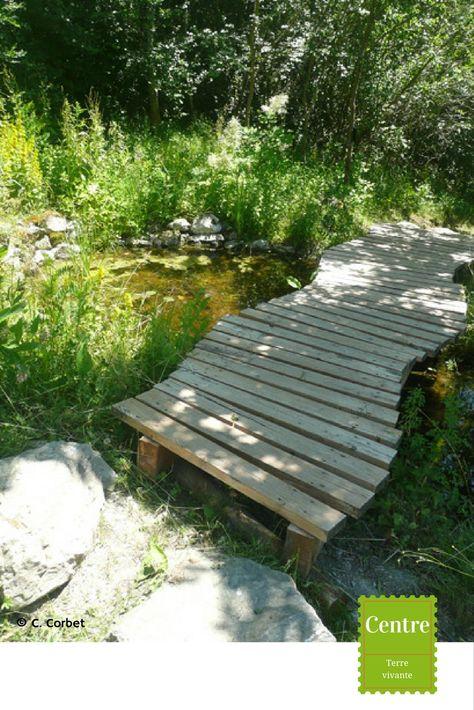 Le Petit Pont De Bois Avec Images Pont En Bois Petits