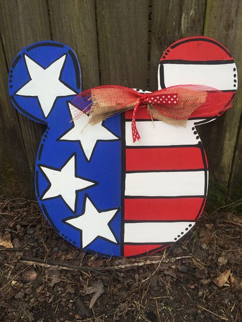Mickey Patriotic Door Hanger by MagdaSmudgemyart on Etsy