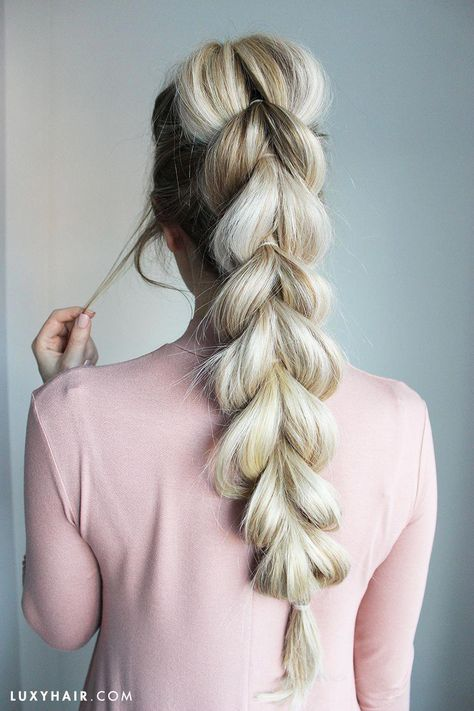 How to do a pull-through braid video tutorial step by step. See more on our blog! #braidedhairstyles
