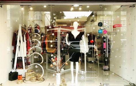 Muchas dosis de brillo en mi look de fin de año ✨ Comenta cuál es la opción favorita para lucir tu outfit #Fabulousday  Ecuador 🇪🇨 - Esmeraldas Calles 9 de Octubre entre Olmedo y Colón  #cool #dreams #nathalytiendaonline #fashion #love #moda #model #style #ecuador #esmeraldas