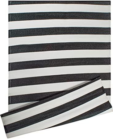 Black And White Striped Rug In 2020 Striped Rug Black And White Carpet Outdoor Rugs