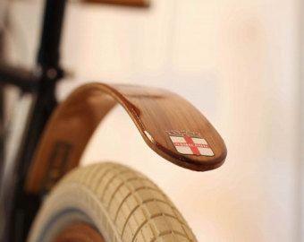 Holz Fahrrad Kotflugel Hand Aus Wenge Und Blut Holz Tolle Etsy Wood Bike Bike Fender Bicycle Fenders