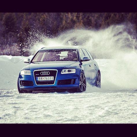 Audi RS6   Snow Play