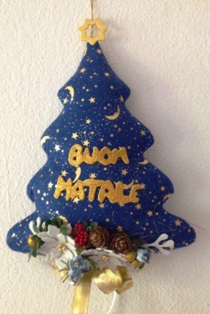 Lavoretti Di Natale Di Stoffa.Albero Natalizio Fuori Porta In Stoffa Alberi Di Natale