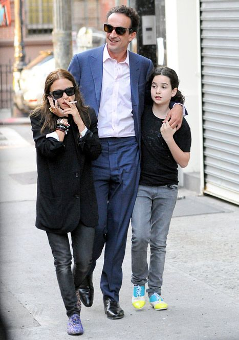 pre-teen daughter is the same size as your girlfriend I feel like there may a problem there!