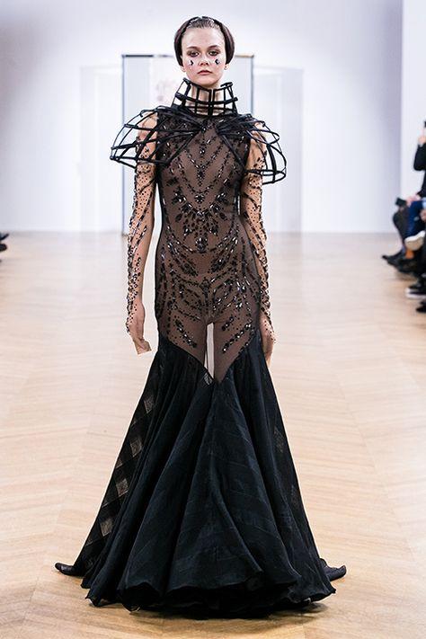 French brand On Aura Tout Vu unveils a sheer wedding gown