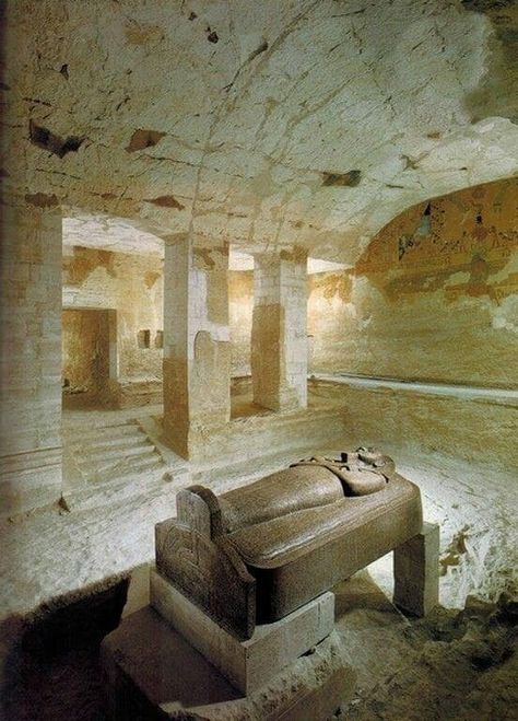 Sarcophagus of Merneptah 🇪🇬 Son and successor of Rameses II.. 19th dynasty.
