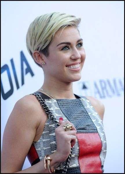 Die Besten 25 Miley Cyrus Haare Ideen Auf Pinterest Miley Cyrus Einfache Frisuren Miley Cyrus Hair Miley Cyrus Short Straight Haircut