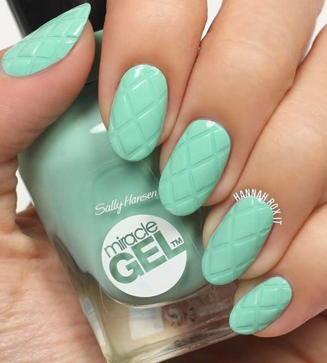 Nail Art Stencils Tutorial for Cool Criss Cross Nails 26 Exceptional Nail Art Designs for Girls DIY Daisy Nail Art by Jessica Washick