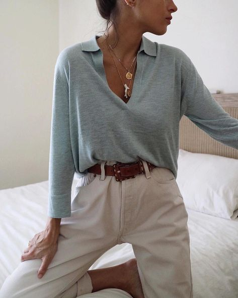 Style Tips - Fashion Solutions Do you want to look stylish on a budget? Are you unsure of what you really need in your wardrobe? It's easier than you would think. make sure you own these core closet fashion pieces.