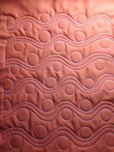 A Few Scraps: FMQ Weekly: Wayward quilting design