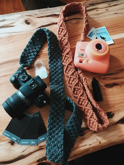 Photography Accessories, Photography Gifts, Camera Photography, Diy Camera Strap, Crochet Camera, Customizable Gifts, Crochet Projects, Crochet Ideas, Diy Projects