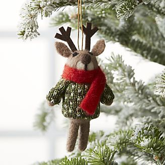 Light Brown Reindeer Ornament With Sweater Christmas Tree