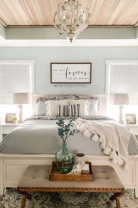 Small Master Bedroom, Farmhouse Master Bedroom, Master Bedroom Makeover, Master Bedroom Design, Home Bedroom, Master Bedroom Decorating Ideas, Apartment Master Bedroom, Relaxing Master Bedroom, Farmhouse Bedroom Furniture