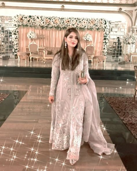 "Bushra Abbasi |Content Creator on Instagram: ""Few more from this day 🌸 . . Dress: @suffusebysanayasir . #styleoftheday #weddingseason #pakistanstreetstyle #bushlicious…"""