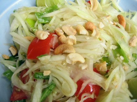 Som Tum (Thai papaya salad)