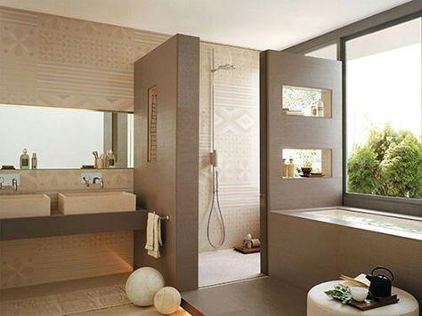 badgestaltungsideen fliesen beige dekorative muster badewanne - freistehende badewanne schlafzimmer