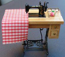 1:12 Escala De Pedal Maquina De Coser Casa de muñecas en miniatura accesorios