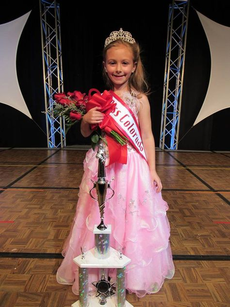 Little princesses get to meet pageant winners at party