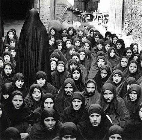 170 |SHIRIN NESHAT| ideas | shirin neshat, iranian art, visual artist