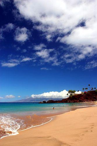 Hamoa Beach, Maui, Hawaii (photo by Jon Cornforth, 2012)
