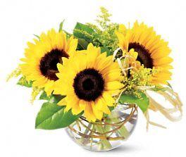 Pretty sunflower summer flower arrangement.