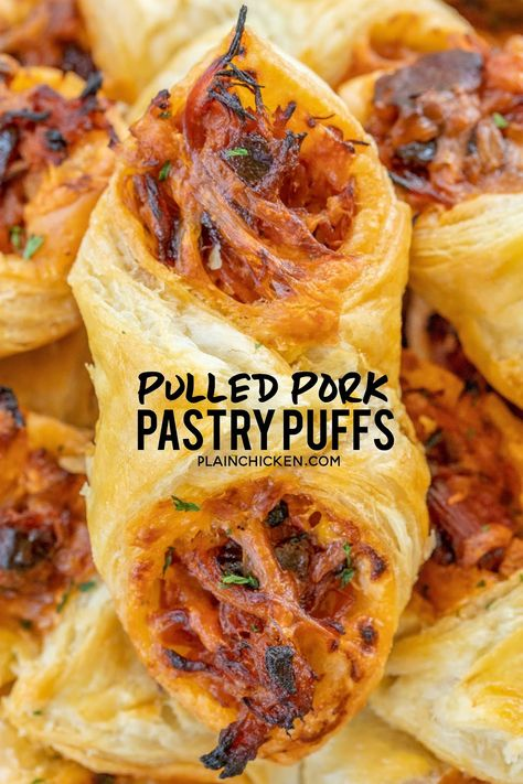 Pulled Pork Pastry Puffs – only 4 ingredients! Great recipe for a quick lunch, d… Pulled Pork Pastry Puffs – only 4 ingredients! Great recipe for a quick lunch, dinner or party. Smoky pulled pork tossed with BBQ sauce and cheese then baked in puff pastry. Finger Food Appetizers, Appetizers For Party, Appetizer Recipes, Appetizers For Dinner, Christmas Appetizers, Party Snacks, Delicious Appetizers, Appetizers With Puff Pastry, Thanksgiving Appetizers