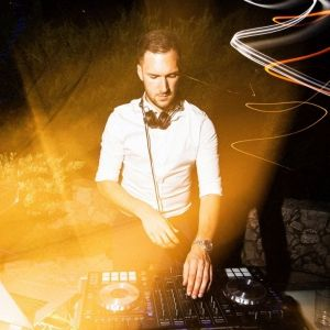 Wedding Djs For Hire Uk Cost From 250 For A Wedding Dj Near Me In 2020 The Wedding Singer Djs Wedding Reception Entertainment