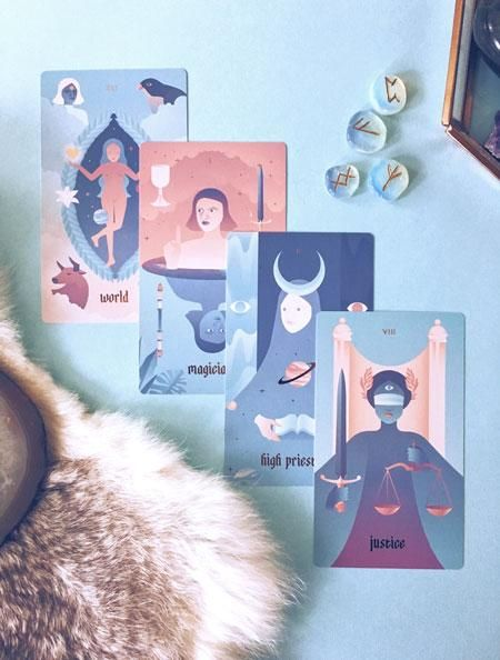 3 Card Tarot Spreads - A List of 18 Simple Tarot Spreads by Layout – Labyrinthos