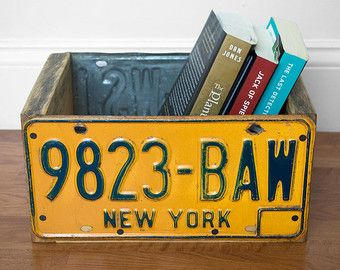License Plate Wooden Crate Wood Crate Wood by byDadandDaughter - Crafts Diy Home License Plate Crafts, Old License Plates, License Plate Art, License Plate Ideas, Wooden Storage Bins, Decorative Storage Bins, Book Storage, Storage Boxes, Wall Storage