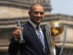 Mahendra Singh Dhoni Photos With 2011 World Cup Trophy World Cup Trophy Ms Dhoni Photos World Cup