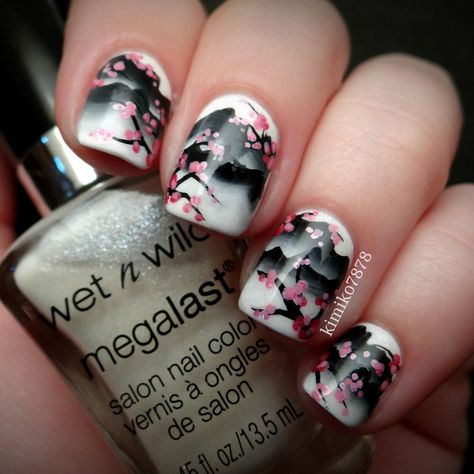 With Some Awesome Nails Hawaiian Flowers Accent And Hawaii