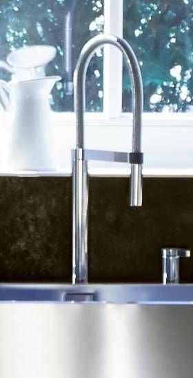 Grosser Wasserhahn Kuchenamatur Aus Edelstahl Im Gebogenen Design Fur Die Neue Kuche Home Decor Decor Sink