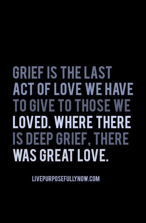 Today is #GriefAwarenessDay - when our loved ones pass it affects us all differently. Today is a reminder that grief doesn't end, we just learn to cope and heal in our own ways. Anyone you know that's suffering from grief - reach out, offer a coffee, a hug or let them know your thinking of them. #grief #thinkingofsomeone #loss #losingsomeone #tbt #thursdaynight #thursdaythoughts #thursdayvibes #thursdaymorning #thursdaymodd #thursdayfun #thursdaythrowback #thursdaygrind